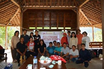 Pelatihan Analisis Sosial oleh Bapak Emmanuel Subangun