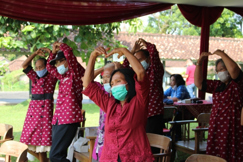 Healthy, Prosperous and Empowered Elderly: YAKKUM Commitment for Elderly in Indonesia